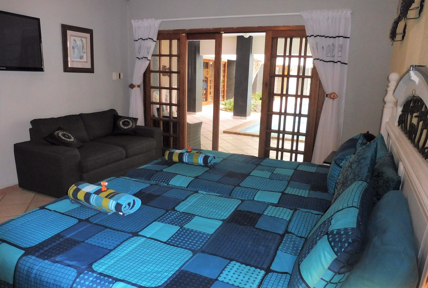 Holiday House-2 Bedroom